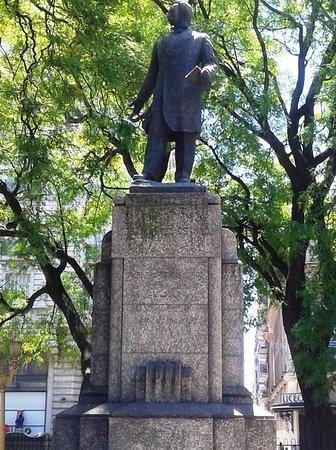 Monument to Jose Manuel Estrada