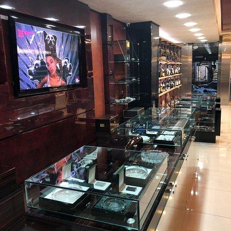 Davidoff Cigar Shop