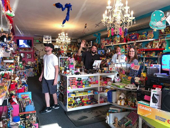 Fifty-Two 80's : A Totally Awesome Shop