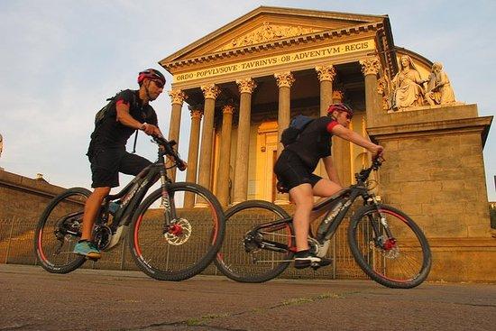 Excursão de bicicleta E Turim Real