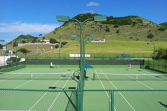 St Martin 4-Person Tennis Clinic