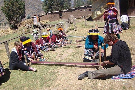 Textile Cultural Tour på Yachaqs Land...
