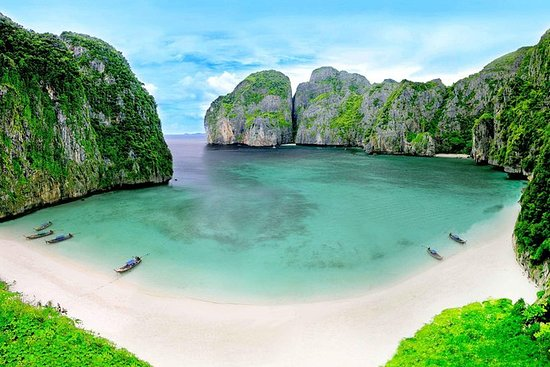 Early Bird Phi Phi Island Tour by...
