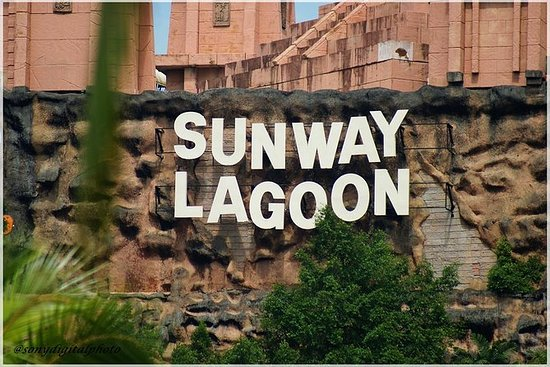 Sunway Lagoon Admission with...