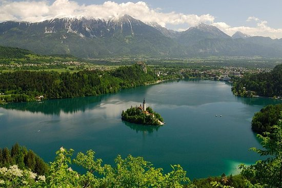 Tour por el lago Bled y Ljubljana desde...