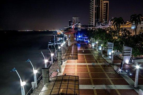 Ciudad de Guayaquil de noche y...