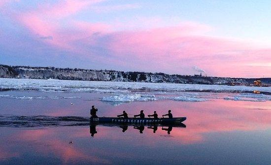 Escursione in canoa sul ghiaccio a