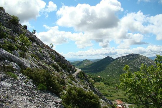 スプリットからのモーザー山ハイキングツアー