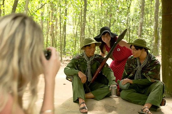 Cu Chi隧道乘船游览和小湄公河三角洲之旅