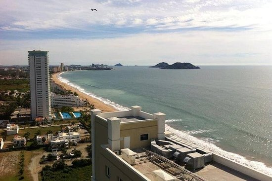 Mazatlan Sightseeing and Shopping Tour