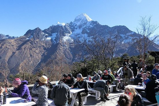 Everest Heli tour with breakfast in...