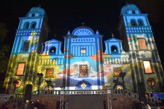 写真Basilica de Suyapa枚