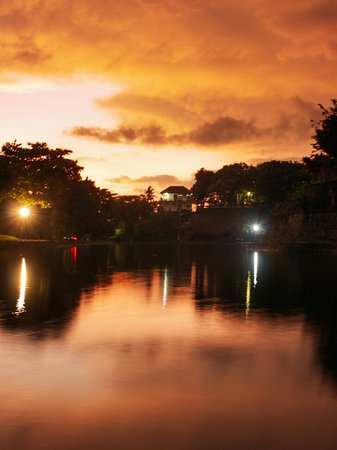 An after sunset moment at Telaga Ageng, Narmada temple. Find more on my Instagram: @lombokfriendly
