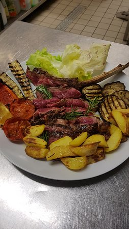 Fiorentina con verdure grigliate e patate