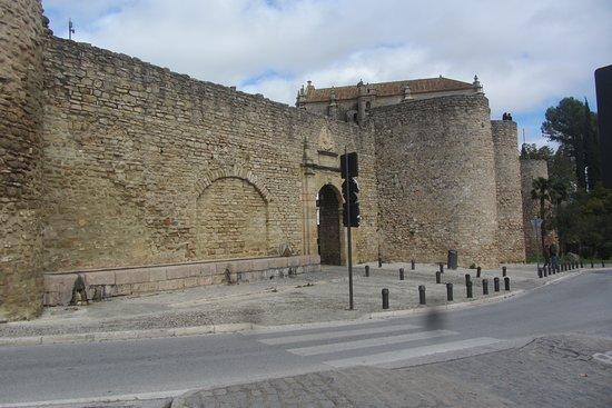 Puerta de Almocabar: Puerta Almocabar Walls