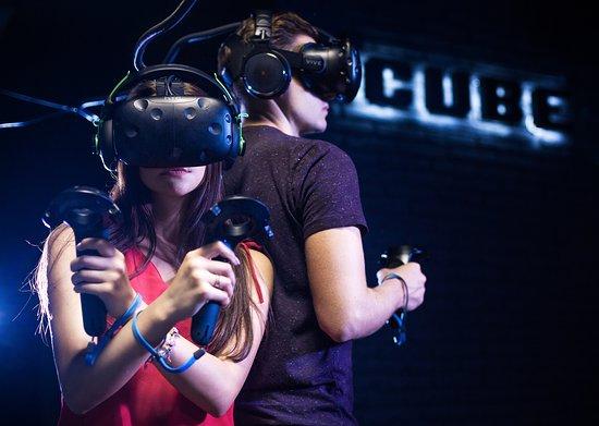 CUBE - Virtual Reality Club