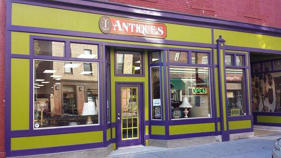 Martinsburg, WV: Queen Street Antiques
