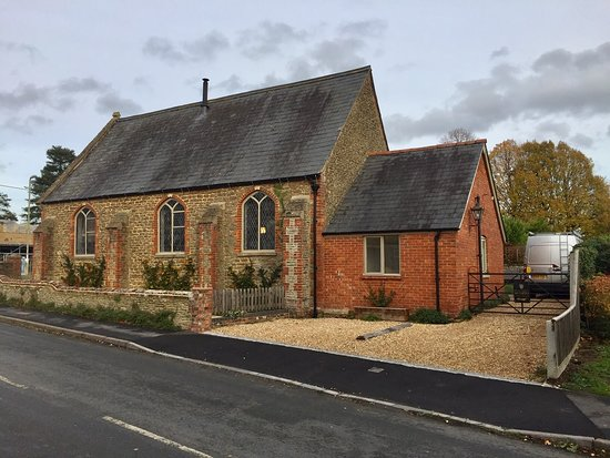 Oxfordshire, UK: two customer parking bays at the side of the chapel accessed via Hanney Road
