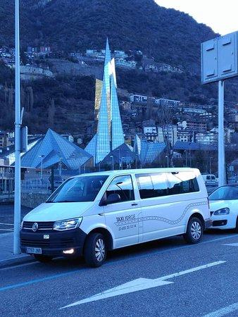 Alcorisa, Spanyol: Vehículo apto para todo el público