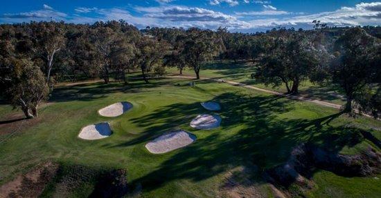 Bathurst Golf Club Photo