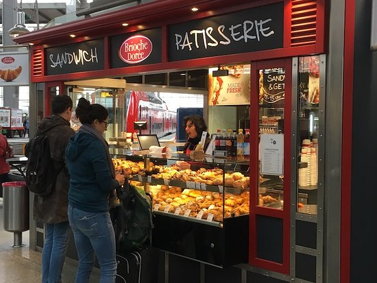 Munich Central Station: Sandwiches and pastry to go.