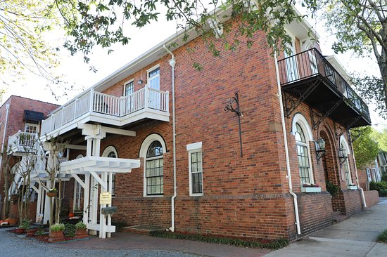 Front Street Inn لوحة