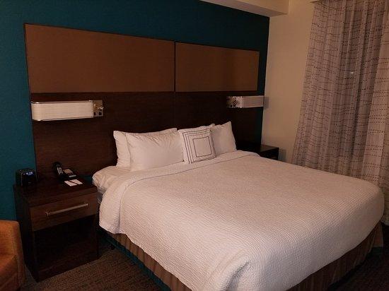 Residence Inn Boston Braintree: Bedroom