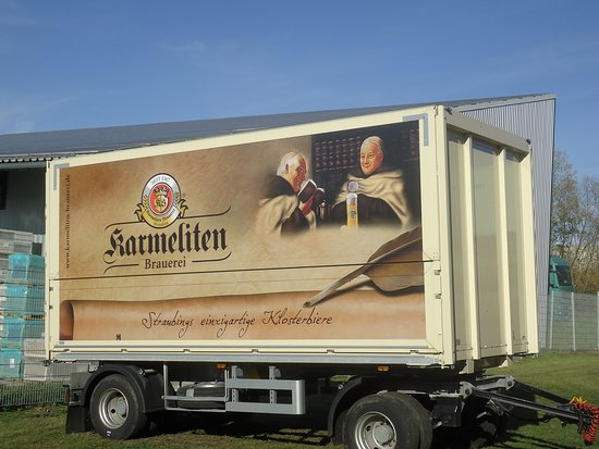 Straubing, Γερμανία: Delivery van outside the brewery