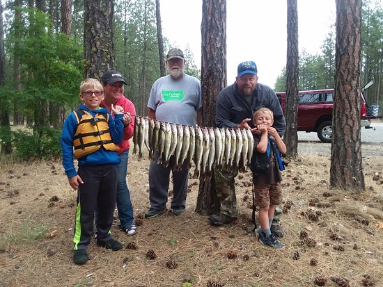 Lake Roosevelt  Walleye fishing for the hole family