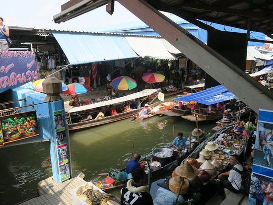 Don Manora Floating Market