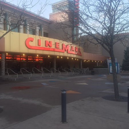 ‪Cinemark Theater‬