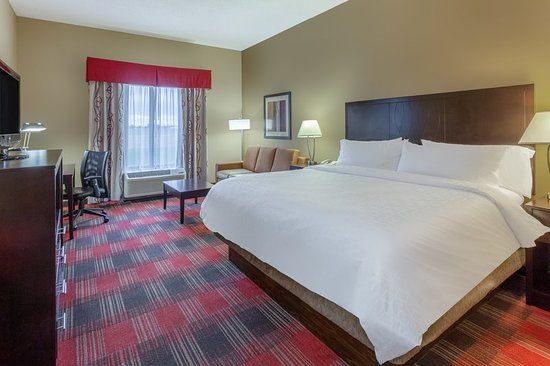 Holiday Inn Express & Suites Bowling Green: Guest room