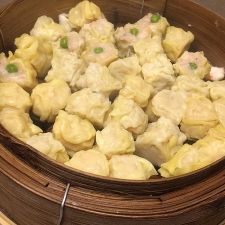 Good dimsum at Ming Court Restaurant.  Promo 10%  Sunday.   Yummy dimsum in here.