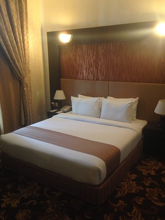 Aryana Hotel: Main bedroom