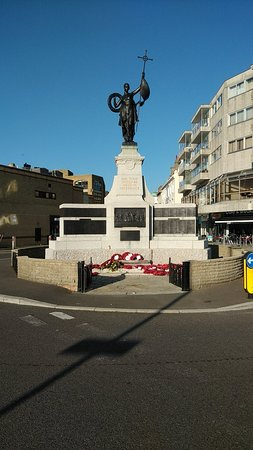 War Memorial 1914-18 - Folkestone