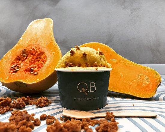 QB Gelato : Zucca Mantovana Pat per il nostro gelato alla zucca arricchito dal Crumble di amaretti.