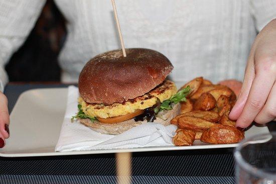 Black Mamba - Burgers & Records Photo