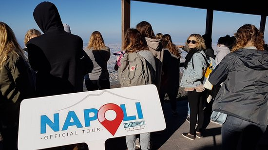 Napoli Official Tour by Mister White Travel