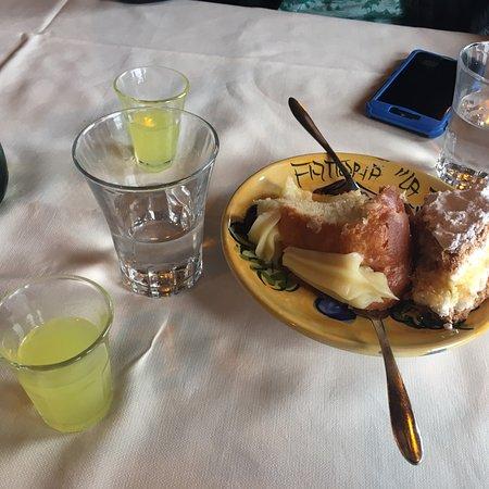 Montepertuso, Italien: Buen lugar buena atención muchísima comida 🤪