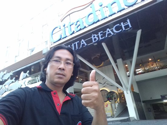 Kuta District, Indonésia: Pick up client at kuta 5am early morning Good driver - perfect english On time always