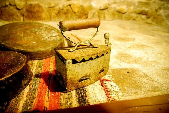 Karya, Греция: Early Iron