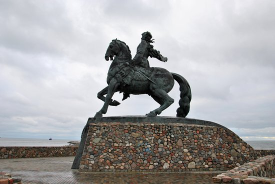 Monument to Empress of Russia Elizaveta Petrovna