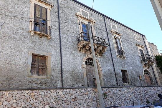 Palazzo dei Vicere e dei Governatori