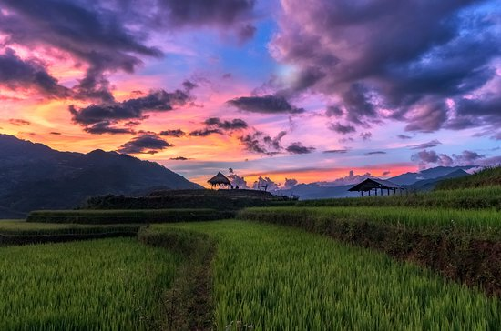 Mu Cang Chai, Việt Nam: Sunset like this and the place like this.