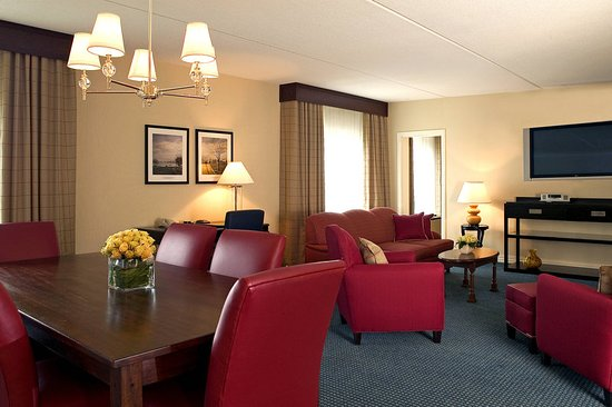 Wakefield, MA: Suite