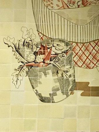Milano, Palazzo Mezzanotte: Gio Ponti, decorazioni in ceramica  (particolare)