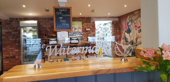Best breakfasts and cake in warm popular cafe bat