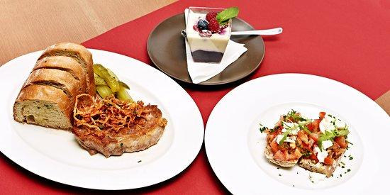 skvělé jídlo a výhled na Karlův most charles bridge restaurace