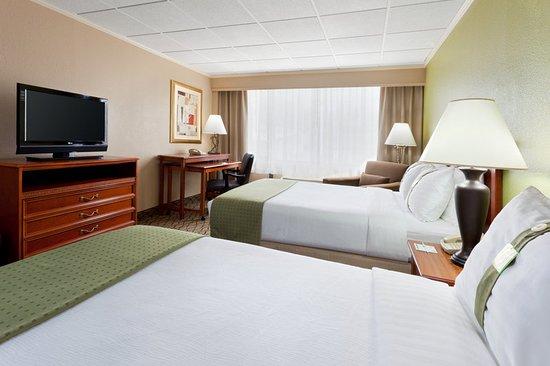 Clark, NJ: Guest room