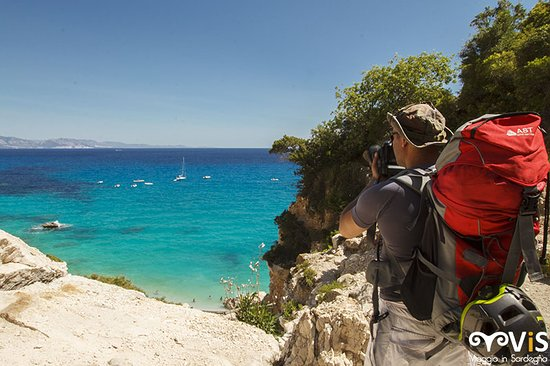 Cala Goloritze: Arrivo in Spiaggia, Marco scatta qualche foto.